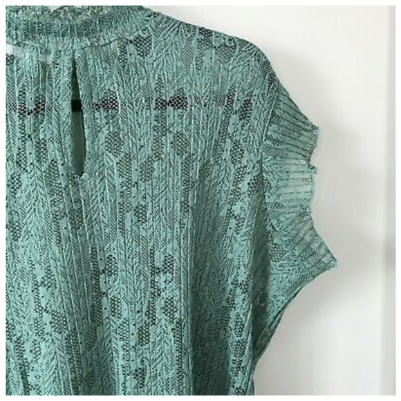 🔥🧡HOST PICK🧡🔥Love + Joy by FCT Green Lace Top